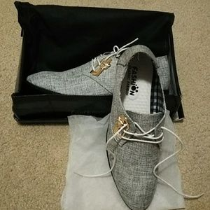 Mens dress shoe